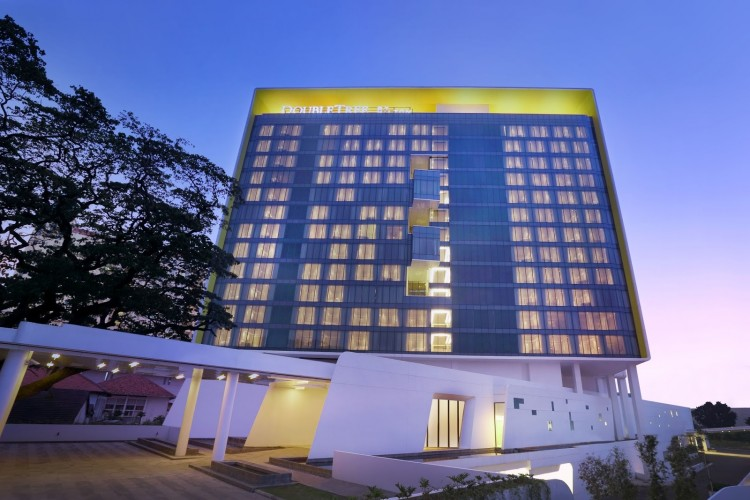 Hotell I Jakarta 10310 Doubletree By Hilton Jakarta Diponego Ticati Com
