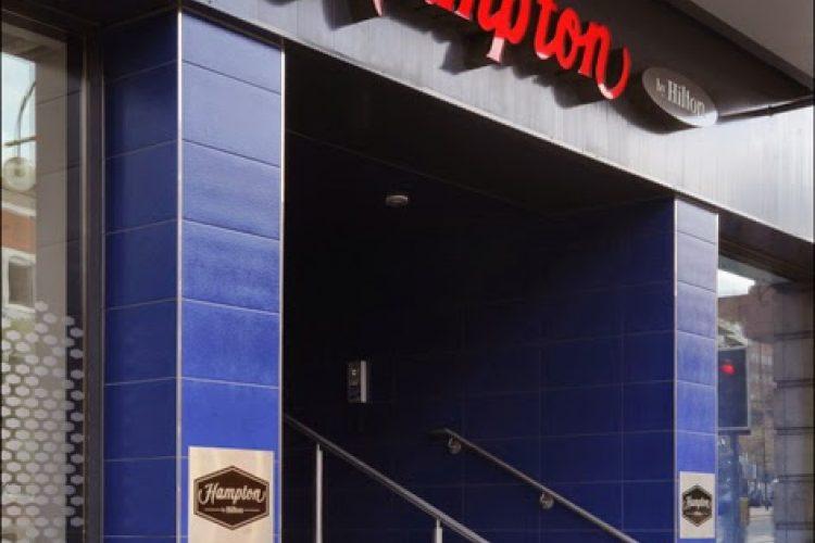Sierstrip Chroom Badkamer : Hotel in birmingham hampton by hilton birmingham broad street