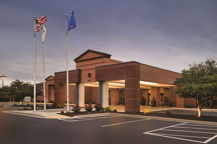 Hotel in Brookfield | DoubleTree by Hilton Milwaukee