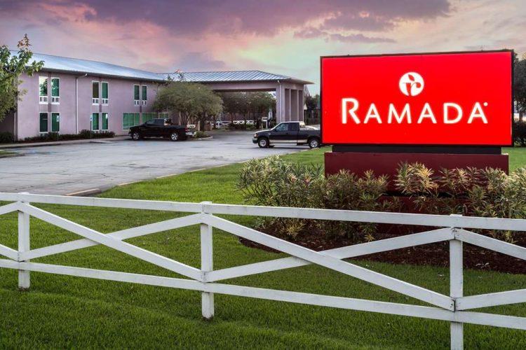 Hotel in Luling | Ramada by Wyndham Luling - TiCATi com