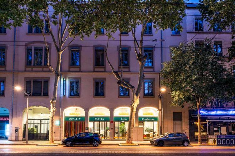 Hotel In Lyon Quality Suites Lyon Confluence Ticati Com