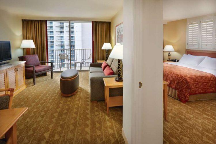 Hotel In Honolulu Embassy Suites By Hilton Waikiki Beach