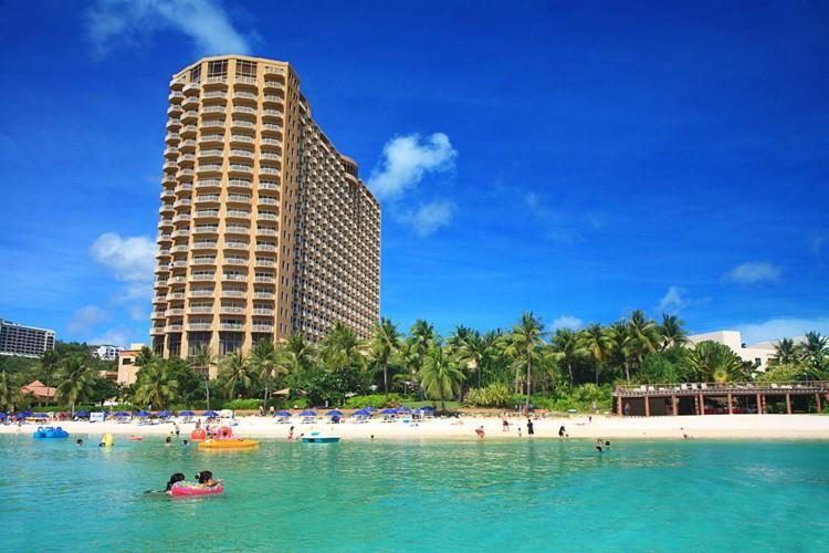Hotel in Tumon Bay | Outrigger Guam Beach Resort - TiCATi.com