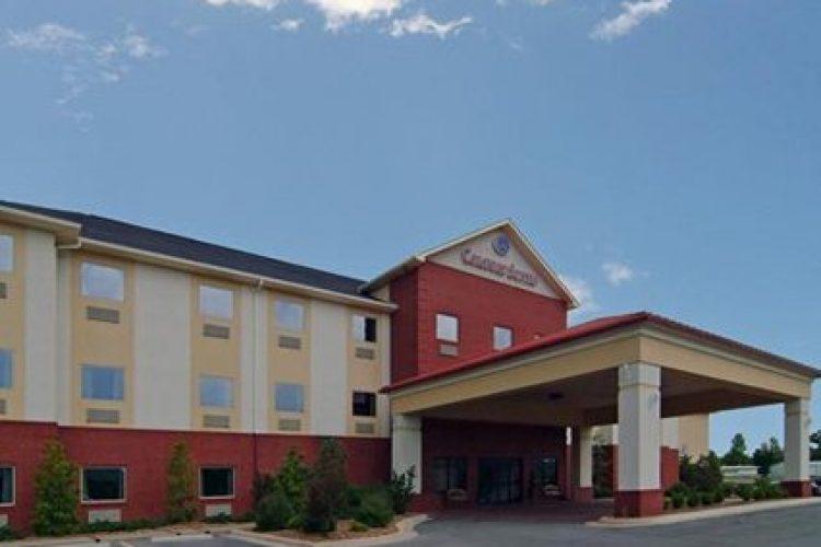 Batesville (AR) United States  city photos gallery : Hotel Batesville | Comfort Suites Batesville TiCATi.com