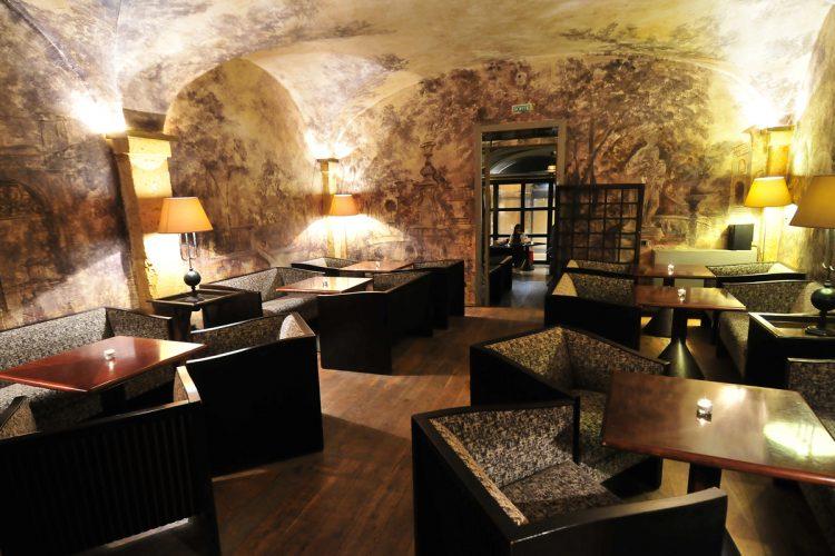 Hotel In Lyon Cour Des Loges Ticati Com